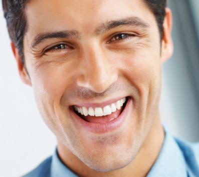 Šypsena su implantais